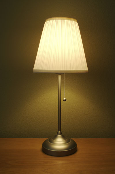 lamp_on_desk_1280177103