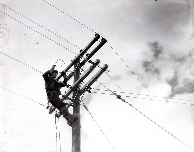 Stringing Power Lines