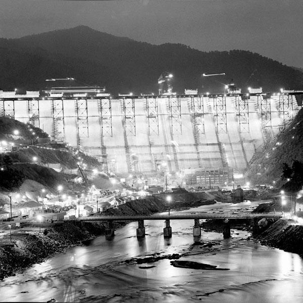Fontana Construction At Night